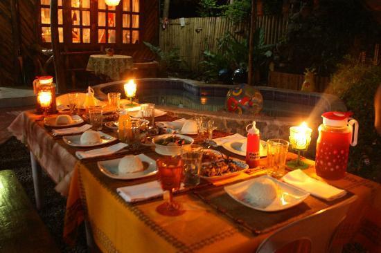 natura-vista meal outside